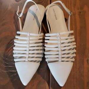 Marc Fisher Ivory Leather sandals. Size 10